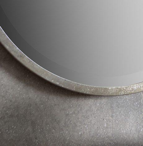 Hugg-Raw-Silver-Closeup