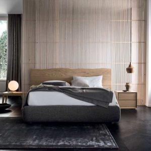 Venice-Solid-Oak-Bedside-Table-Lifestyle